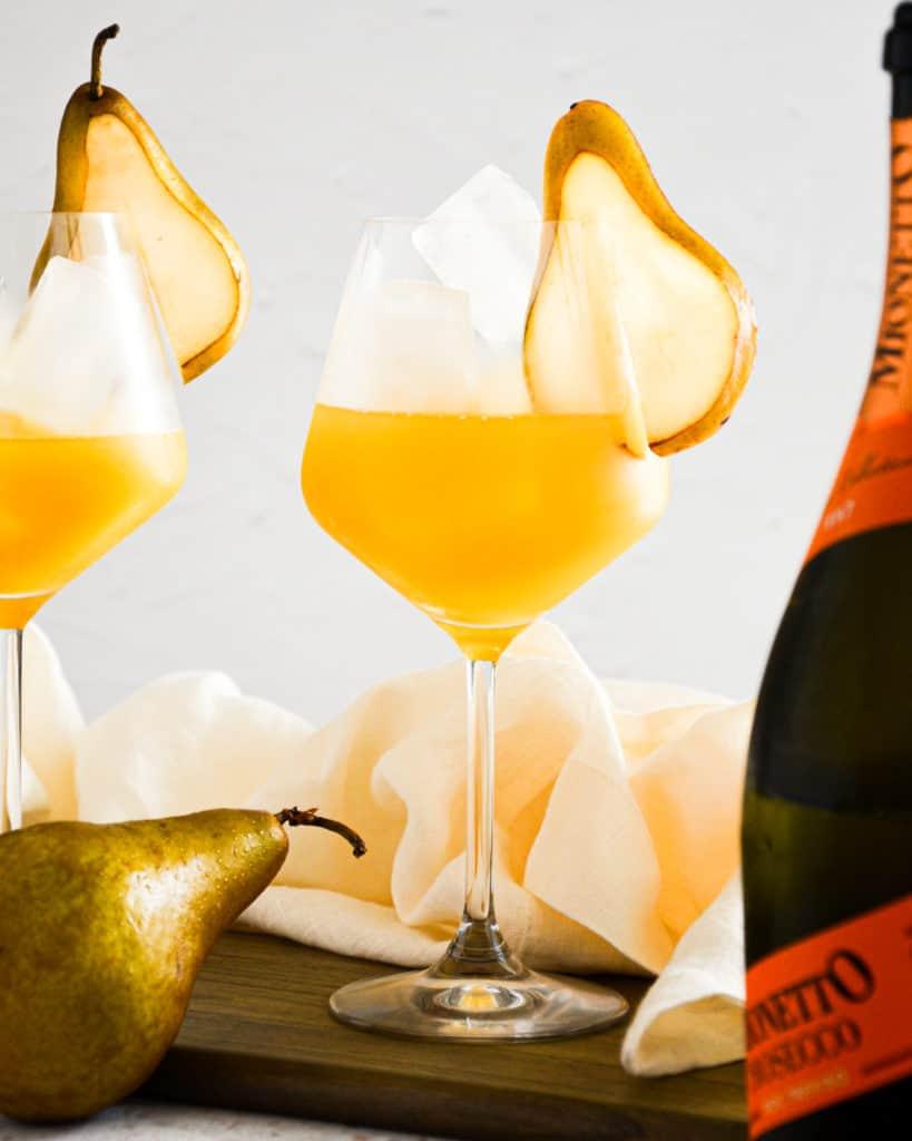 Honey Lemon Ginger Gin & Prosecco Cocktail