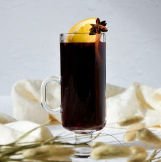 Easy Spiced Mulled Wine