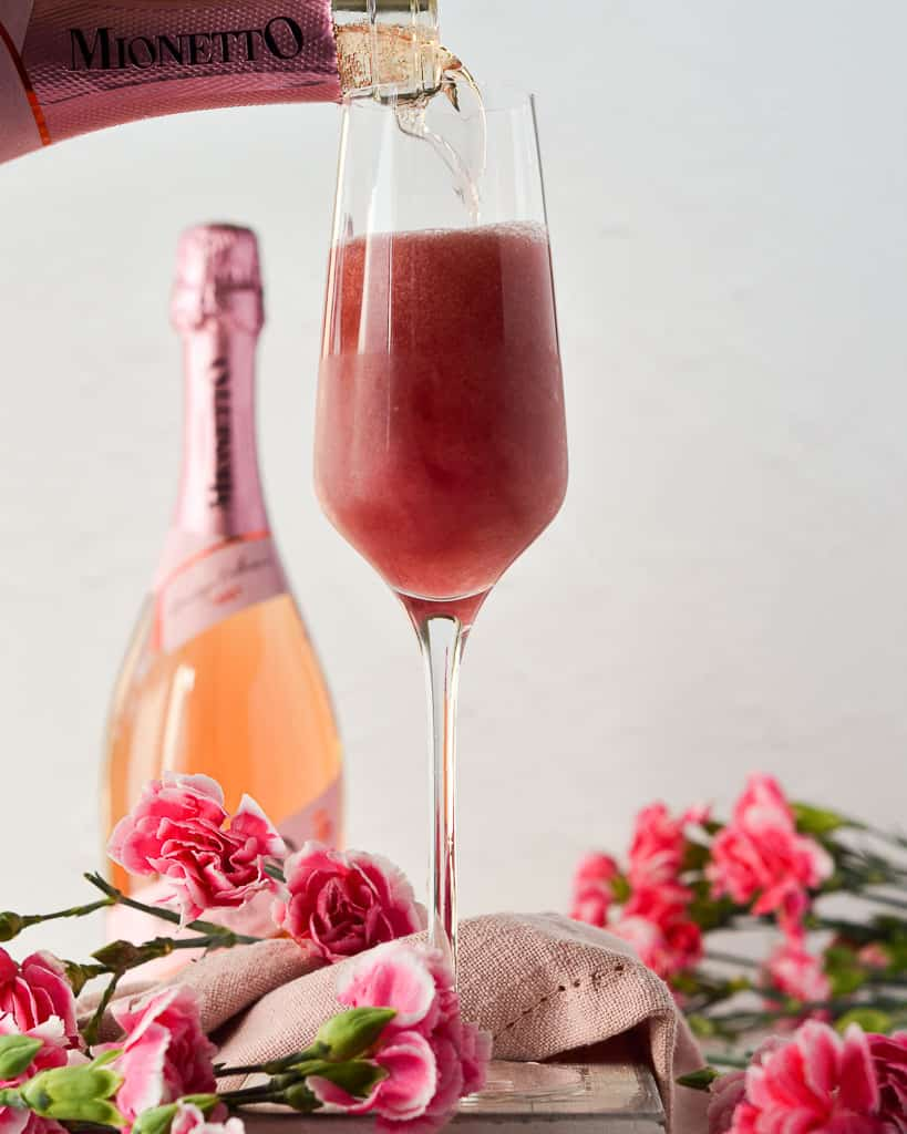 Pink 75 - topping with sparkling rosé