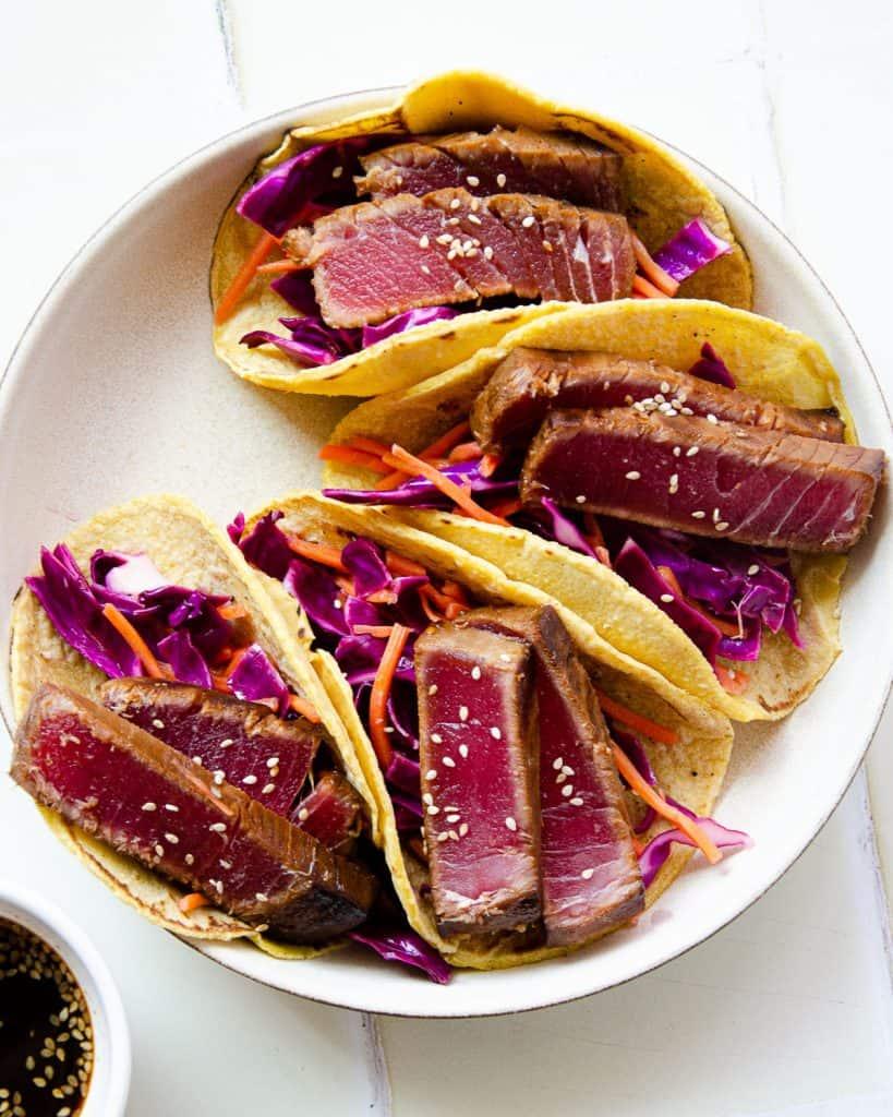 seared ahi tuna,ahi tuna tacos,seared tuna tacos