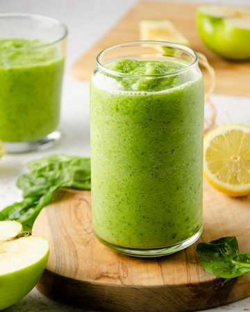 sour green apple smoothie,green apple smoothie,sour apple smoothie