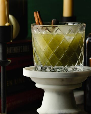 Featured image of a green juice margarita.